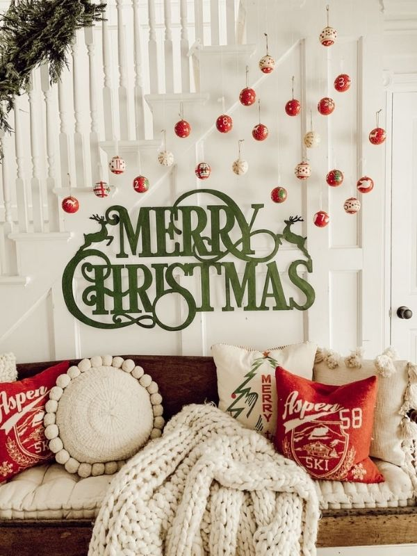 DIY Christmas Ornament Gallery Wall