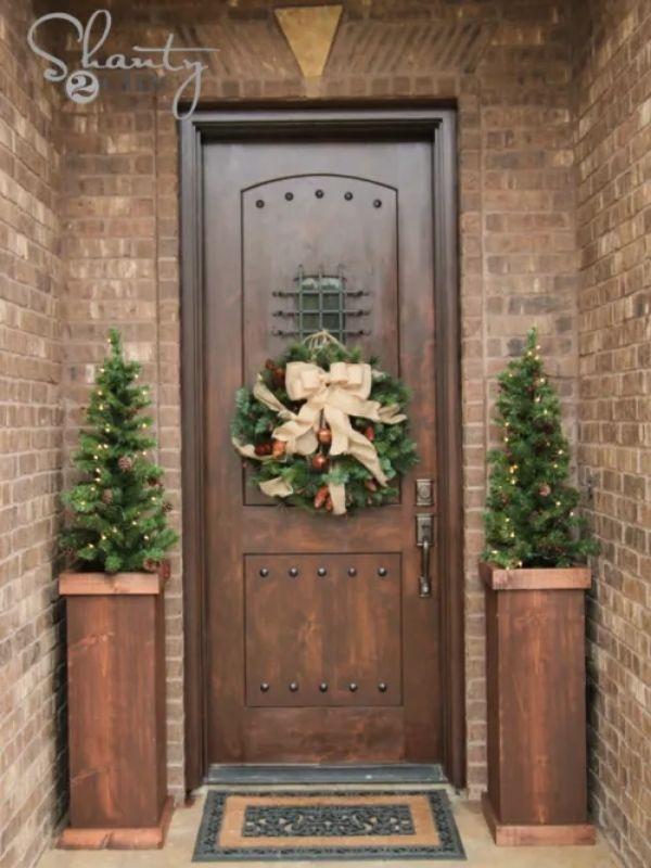 DIY Christmas Tree Plant Stand