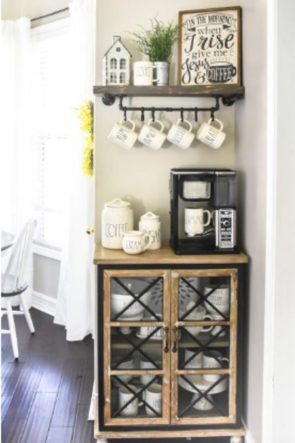 DIY Farmhouse Coffee Bar Table