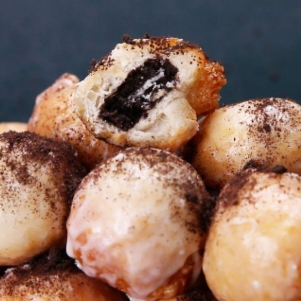 Oreo-stuffed Doughnut Holes