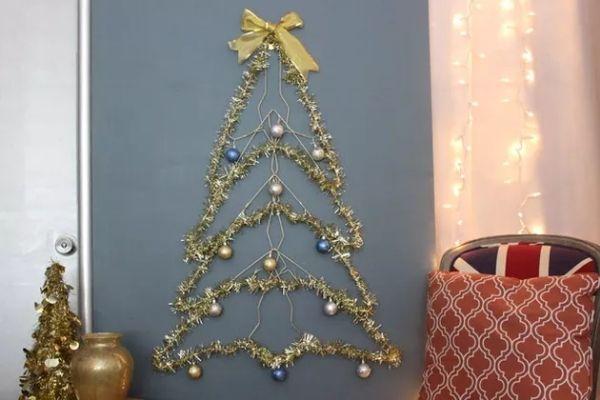 DIY Wire Christmas Tree