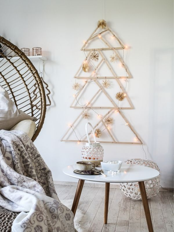 DIY Wooden Stick Popsicles Wall Christmas Tree