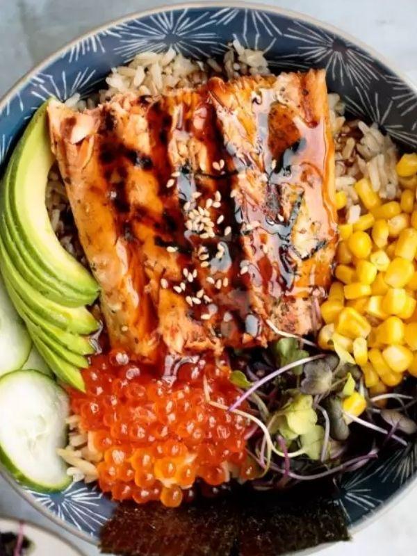 Teriyaki Grilled Salmon Rice Bowl